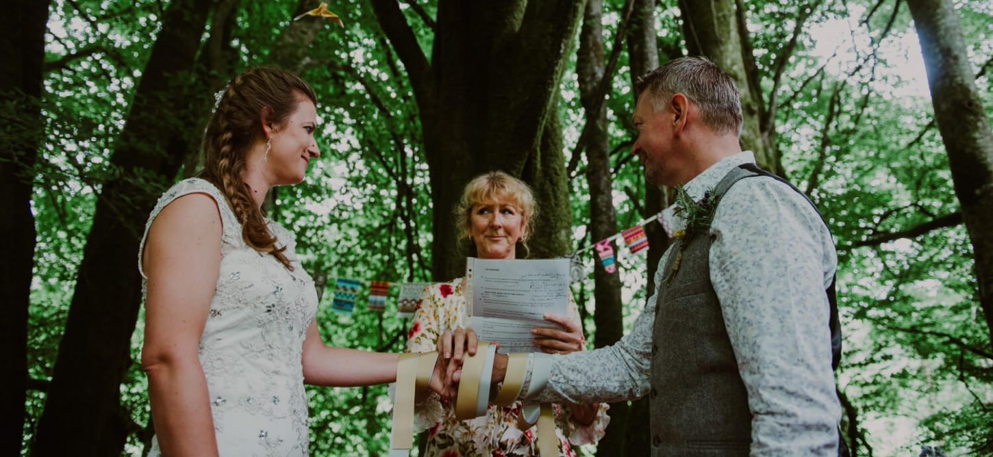 humanist wedding celebrant ceremony, tying of the knot