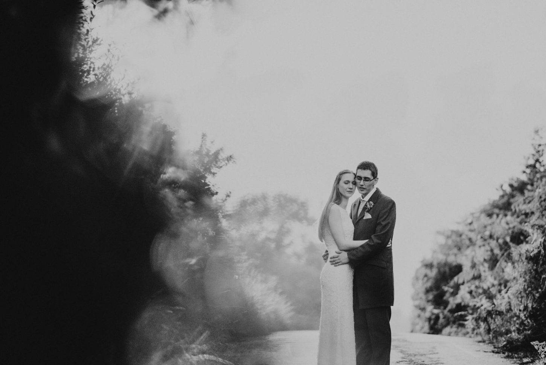Devon wedding photographer capturing the bride & groom